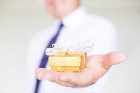 5 leadership styles during holiday season